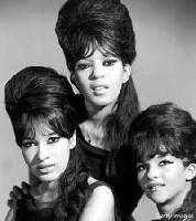 ronettes-1964_thumb.jpg